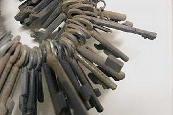 8- Guardado a sete chaves