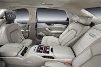 2014-Audi-A8-26.jpg