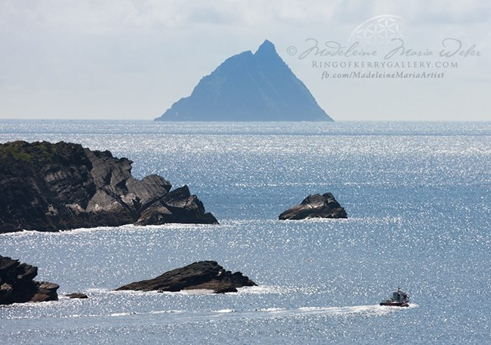 star-wars-episode-vii-skellig-michael-shooting-kerry-2