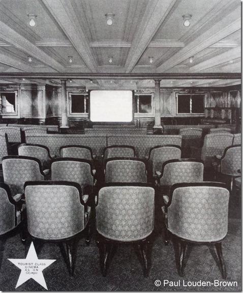 Cinema a bordo do Olympic, em classe turística (antiga sala de leitura da 2 ª classe)