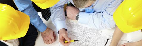 arsitek berdiskusi tentang desain