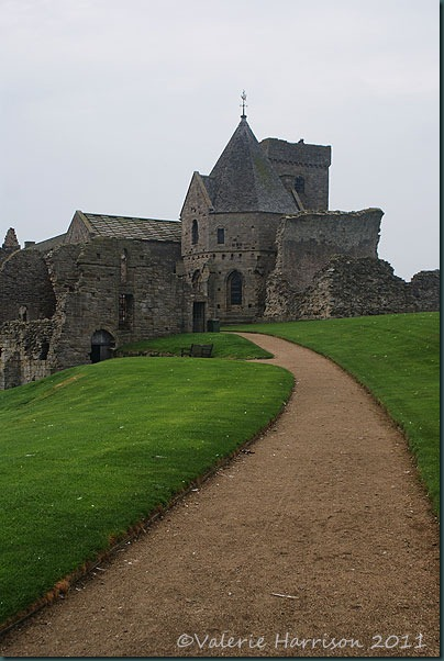 17-Inchcolm-Abbey