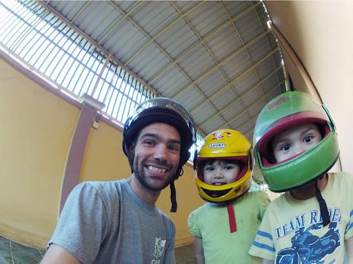 V-kidsHelmets-2012-11-18-03-22.jpg