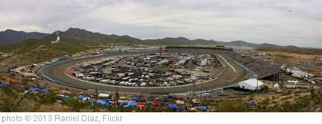 'Phoenix International Raceway 2013 Panorama - Subway Fresh Fit 500' photo (c) 2013, Raniel Diaz - license: http://creativecommons.org/licenses/by/2.0/