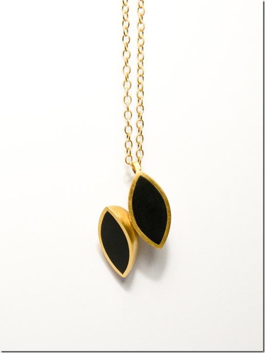 Sarah Straussberg : Jeweller