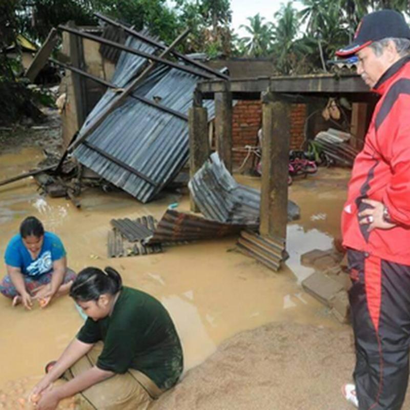 Bercucuran airmata melihat kesan banjir !