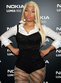 nicki-minaj-nokia-lumia-900-launches-03