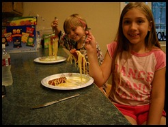 Hot Dogs and Spagetti noodles (9) (Medium)