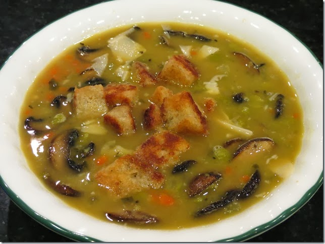Split Pea Soup with Mushrooms and Croutons