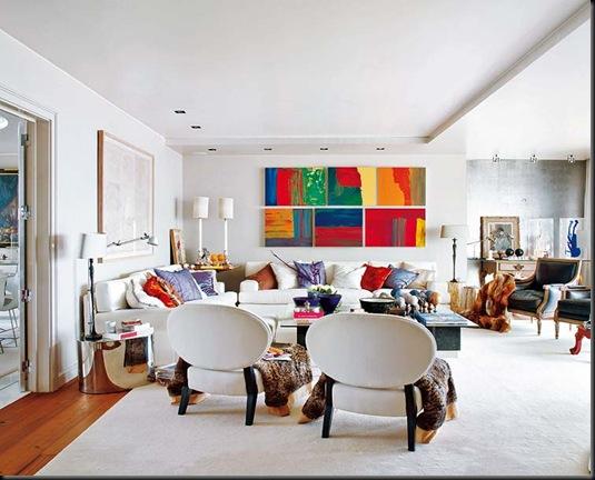 salón con gran sofa blanco en L