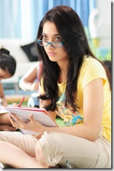 Tamanna reading photo