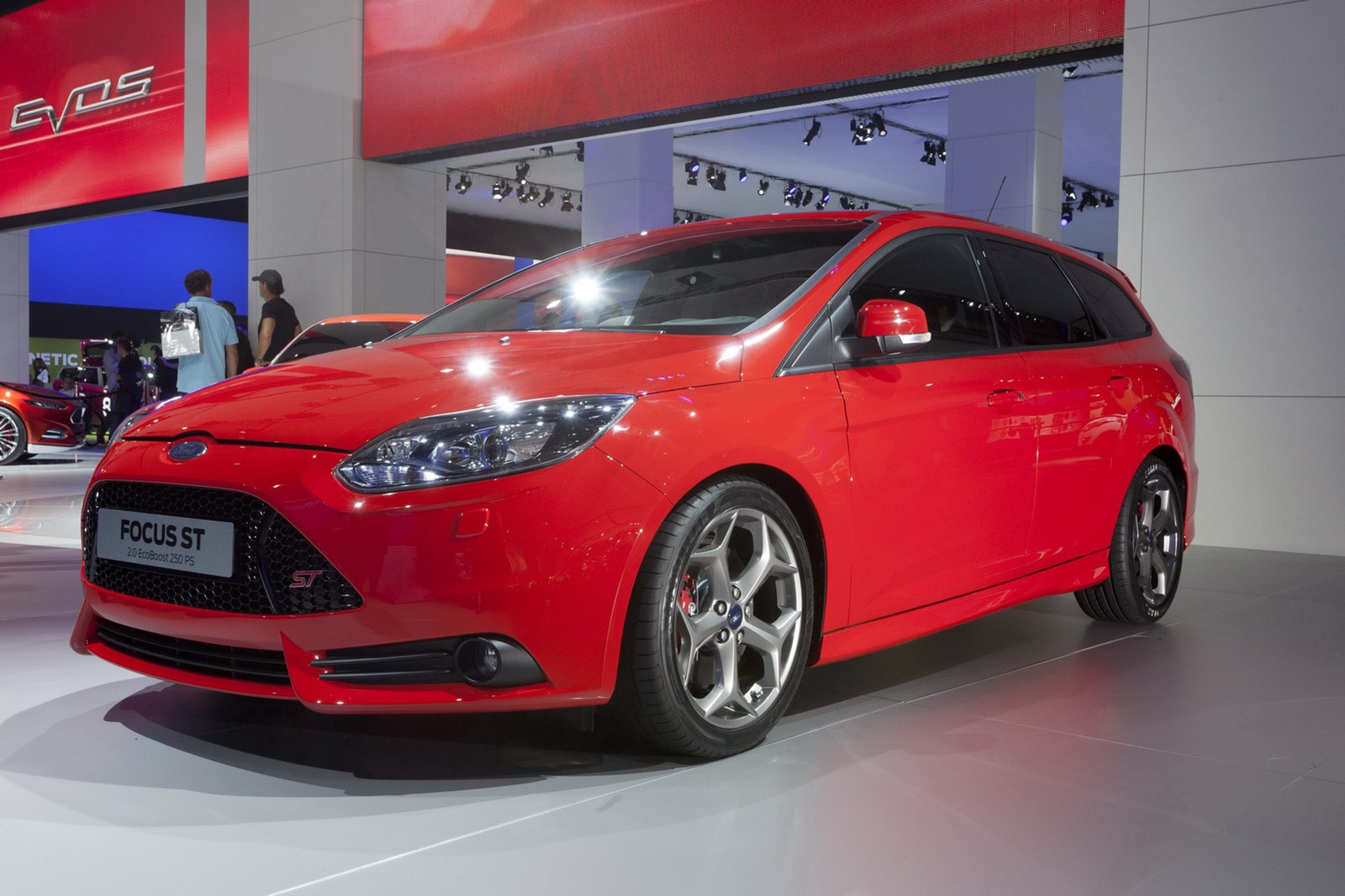 un ford uk releases pricing auf 247hp new focus st. Black Bedroom Furniture Sets. Home Design Ideas
