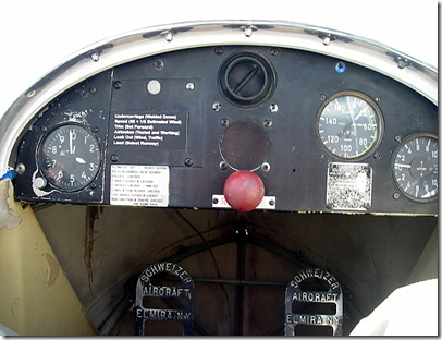 Cockpit showing 3000 feet (1400 feet above ground level), Doing 40 MPH with a rise rate of 50 feet per minute.