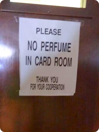 11-perfume-sign