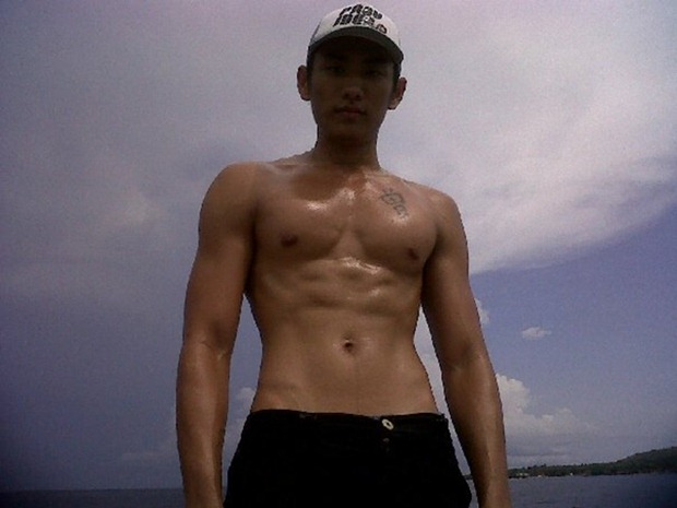 Asianmales-Little Shirtless Sexy with Unknown Male Model-14