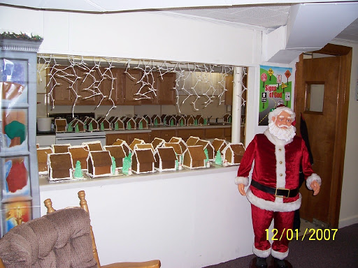 2007 GINGERBREAD HOUSES 2007