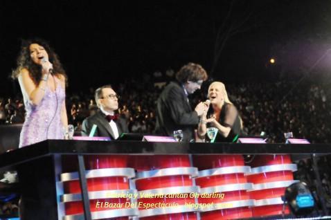Patricia y Valeria cantan Oh darling.jpg
