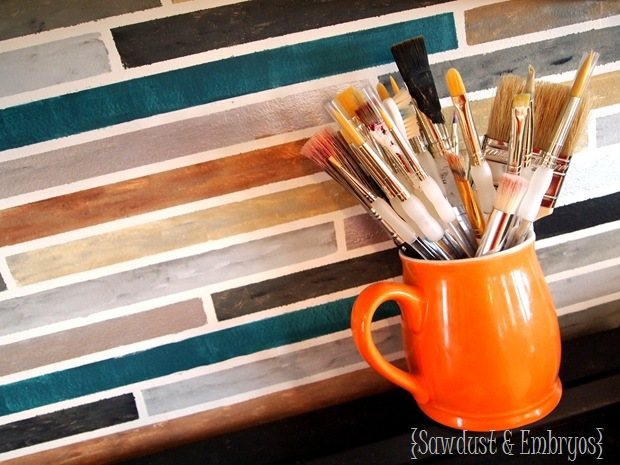 Get this faux tile look by painting your backsplash!