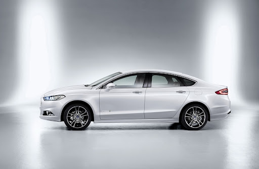 2013-Ford-Mondeo-05.jpg