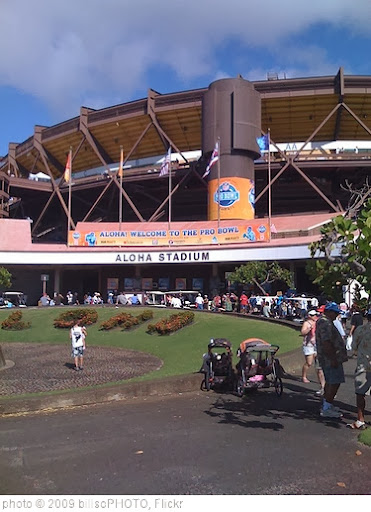 'Aloha Stadium' photo (c) 2009, billsoPHOTO - license: http://creativecommons.org/licenses/by-sa/2.0/