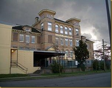 300px-Seymour-School-3734