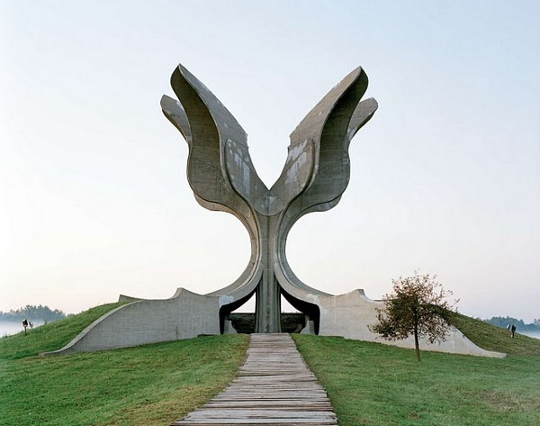 abandoned yugoslavian monuments by jan kempenaers 2