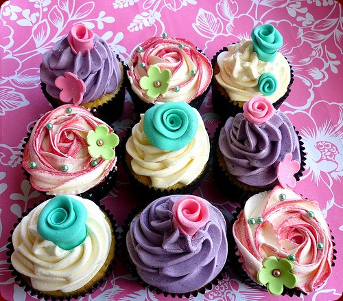 cupcakes-floral-food-frosting-pink-pretty-Favim.com-107552_large