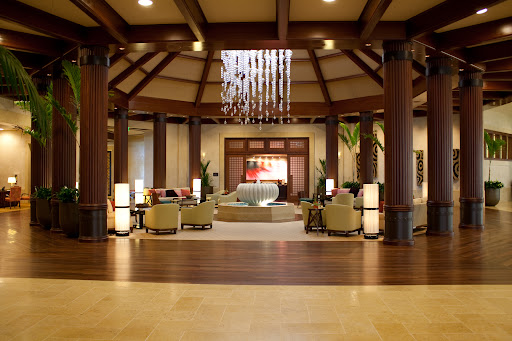 Lobby facing Halele'a spa