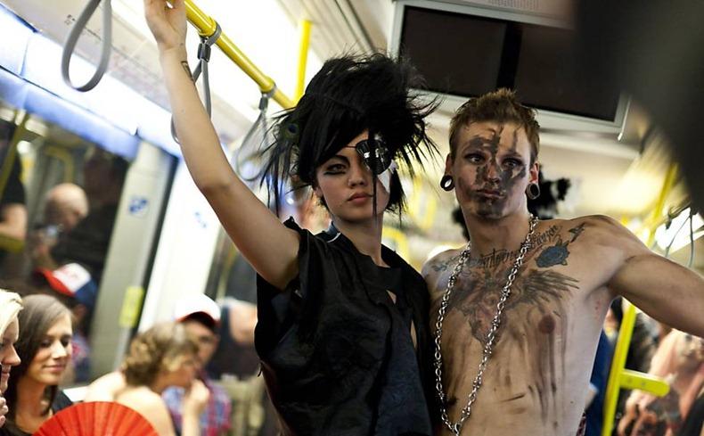 underground-catwalk-2011-8