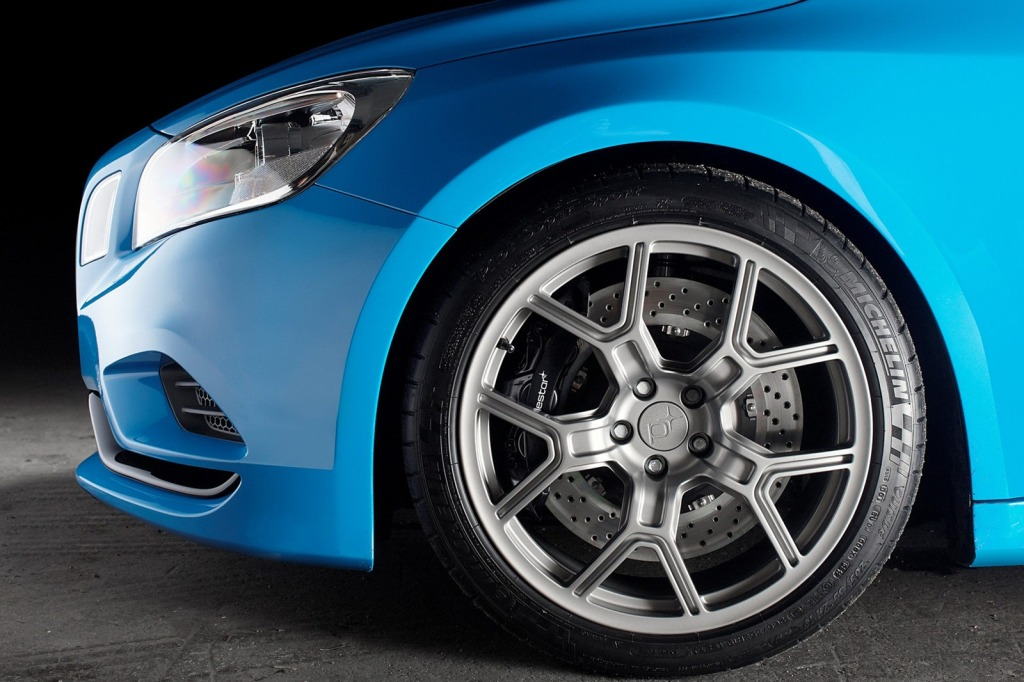 2012-Volvo-S60-Polestar-Performance-Offi...mgmax=1800