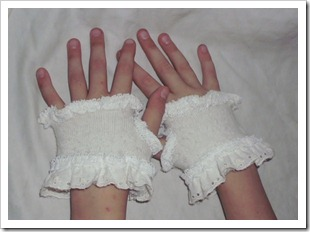 Finger-less Gloves with Lace