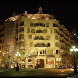 24.- Gaudí. La casa Milá ( Pedrera)