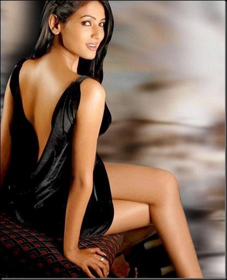 Sonal Chauhan new (18)