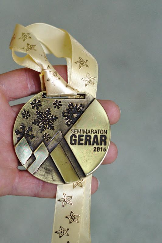 Si medalia de anul acesta.