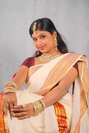 Anchor Veena Nair Armpit