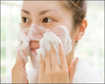 photogallery-washing-face-woman-with-sudsy-face