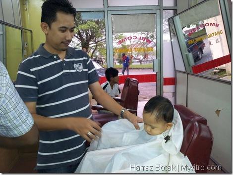Aksi Harraz Gunting Rambut 4