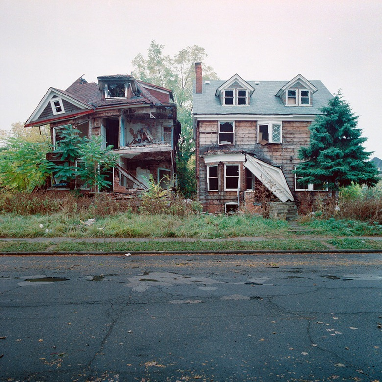 abandoned-detroit-homes15