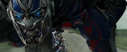 Optimus Prime ข้อมุลตัวละครและตัวอย่างแรงอย่างเป็นทางการของ Transformer Age Of Extinction