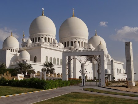 01. Moscheea din Abu Dhabi.JPG
