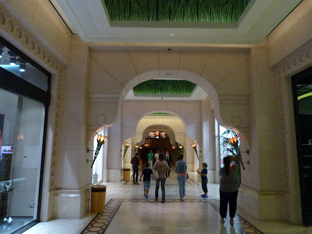 Shopping Dubai: prin Atlantis Mall