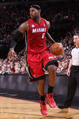 lebron james nba 130110 mia at por 05 King James Debuts LBJ X Portland PE But Ends Scoring Streak