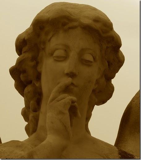 Ángel del Silencio. Panteón familia Burriel