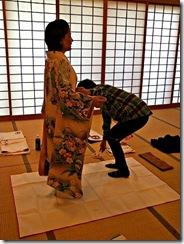 袴の他装着付け練習 (1)