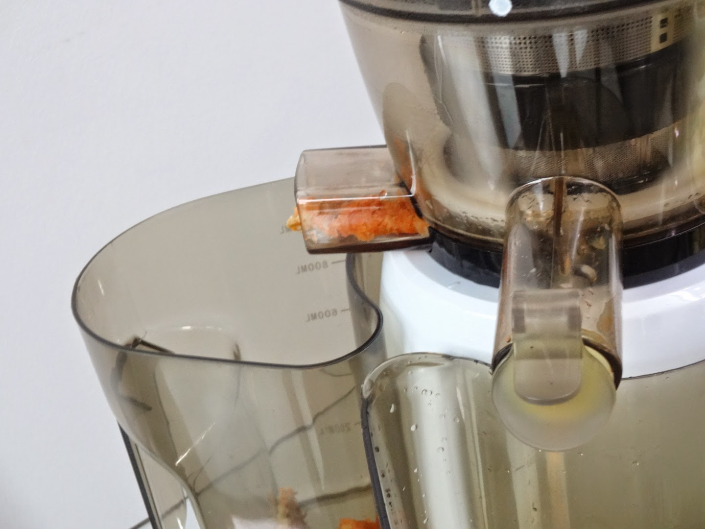 Hyundai Slow Juicer 7730 : a day in the life of a BE@RBRICK: Hyundai Slow Juicer [Updated]