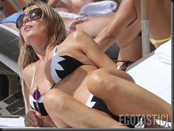 rita-rusic-bikini-pictures-from-miami-09-900x675