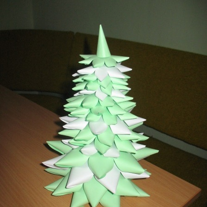 Manualidades navidad: árbol hecho a capas en cartulina