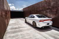 2015-Dodge-Charger-Hellcat-SRT-35.jpg