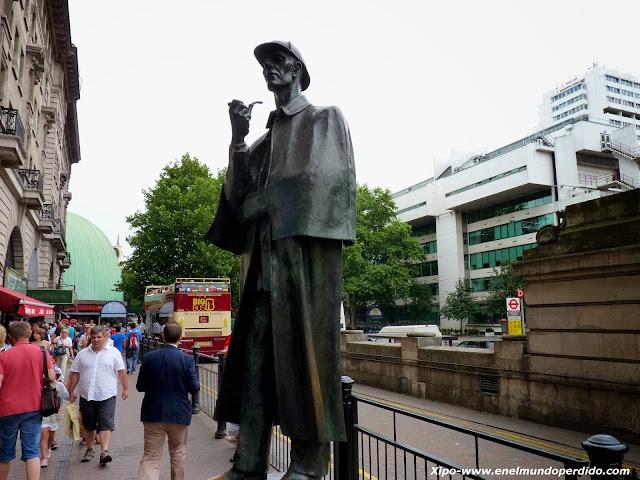 estatua-sherlock-holmes-backer-street.JPG
