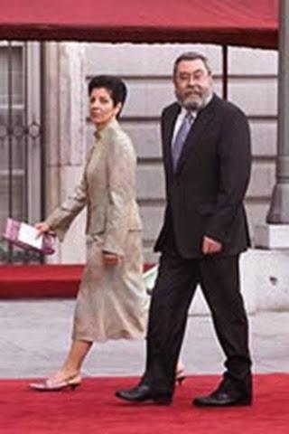 El secretario general de UGT, Cándido Méndez junto a su esposa.
